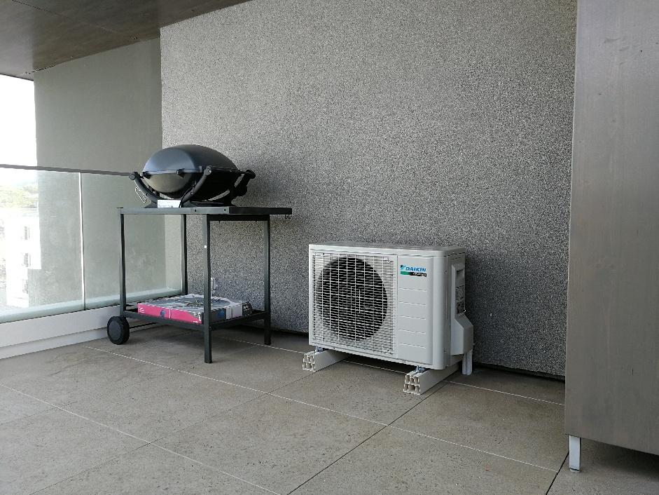 console daikin mono split chauffage r versible pour une v randa marseille 13009 generation confort. Black Bedroom Furniture Sets. Home Design Ideas